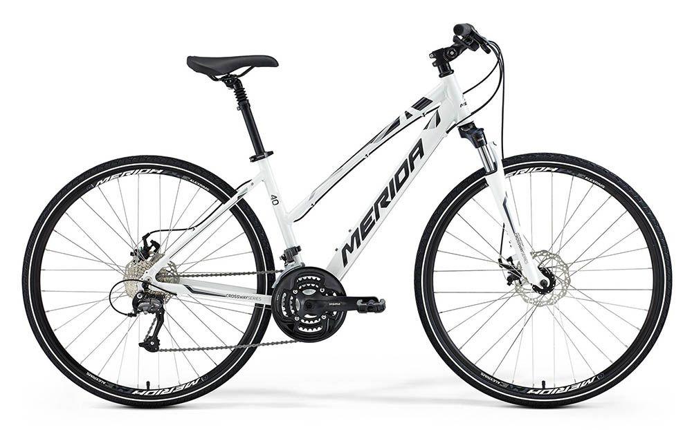 Велосипед MeridaГородские<br>ВЕЛОСИПЕД MERIDA CROSSWAY 40-MD-LADY (2015) — эта модель объединила в себе новые разработки бренда и проверенные функциональные идеи. Рама Crossway Speed Lady — фирменная разработка из алюминиевого сплава. Она сочетает легкость, стильный внешний вид и повышенную прочность, которая позволит вам смело отправляться с этим велосипедом в долгие поездки. Надежные тормоза Promax MTD предоставят вам гарантию безопасности на дороге и выручат даже в дождливую погоду, а колеса 28 дюймов позволят насладится скоростью. Дорожное покрытие часто не совсем устраивает своей ровностью, но качественная амортизация позволит вам забыть об этом.В нашем магазине можно купить ВЕЛОСИПЕД MERIDA CROSSWAY 40-MD-LADY (2015) уже сегодня. Мы поможем вам оформить заказ, быстро его обработаем и доставим вашу покупку в любую точку РФ. Обратите также внимание на акции и скидки!<br><br>year: 2015<br>пол: женский<br>тип рамы: хардтейл<br>уровень оборудования: любительский<br>длина хода вилки: до 100 мм<br>блокировка амортизатора: нет<br>планетарная втулка: нет<br>вынос: Регулируемый<br>руль: Merida Comp OS, ширина 620 мм, подъем 25 мм<br>передний тормоз: Promax MTD, диаметр ротора 160 мм<br>задний тормоз: Promax MTD, диаметр ротора 160 мм<br>цепь: KMC M99<br>система: SR XCM 48-36-26 CG<br>каретка: Cartridge Bearing<br>педали: Comfort double<br>ободья: Merida comp D<br>передняя втулка: Alloy Disc<br>задняя втулка: Alloy Disc cassette<br>передняя покрышка: Cross, 700 х 40C<br>задняя покрышка: Cross, 700 х 40C<br>седло: Cross lady<br>подседельный штырь: С амортизатором, диаметр 27,2 мм<br>кассета: Sunrace CS-9S, 11-32<br>манетки: Shimano Altus ST rapidfire<br>рама: Crossway Speed Lady<br>вилка: SR Suntour NEX HLO, ход 63 мм<br>тип заднего амортизатора: без амортизатора<br>цвет: белый<br>размер рамы: 22.5&amp;amp;quot;<br>материал рамы: алюминий<br>тип тормозов: дисковый механический<br>диаметр колеса: 28<br>тип амортизированной вилки: пружинно-масляная<br>передний переключатель