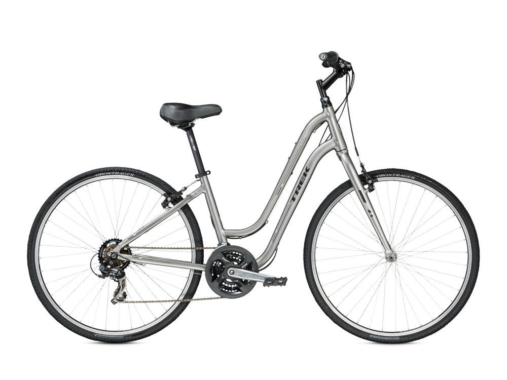 Велосипед TrekГородские<br>ВЕЛОСИПЕД TREK VERVE 1 WSD (2015) — яркая женская модель в серебристом цвете. Отличный вариант как для туристических поездок, так и для повседневной эксплуатации на улицах города. Эта модель является безупречным сочетанием плавной и стильной фирменной рамы WSD Alpha Gold из алюминия, колеса 28 дюймов с покрышками Bontrager H5 и ободных тормозов Tektro из сплава алюминия. Вы оцените лаконичный дизайн и удобную посадку, которая предотвращает усталость от езды. Модель оснащена 21-ступенчатой коробкой передач, которая является оптимальным вариантом для гибридных моделей. Стальная вилка порадует прочностью и плавной амортизацией, а регулируемый руль добавит комфорта вашим поездкам.У нас можно купить ВЕЛОСИПЕД TREK VERVE 1 WSD (2015) онлайн. Мы предоставим вам широкий выбор, 100% оригинальные модели и доступные цены. Работает доставка по РФ.<br><br>year: 2015<br>пол: женский<br>тип рамы: хардтейл<br>уровень оборудования: любительский<br>длина хода вилки: нет<br>блокировка амортизатора: нет<br>планетарная втулка: нет<br>рулевая колонка: 1-1/8<br>вынос: Bontrager Approved, 25.4 мм<br>руль: Сталь, подъем 50 мм<br>грипсы: Bontrager Satellite<br>передний тормоз: Tektro, алюминиевый сплав<br>задний тормоз: Tektro, алюминиевый сплав<br>тормозные ручки: Tektro, алюминиевый сплав<br>цепь: KMC Z51<br>система: Forged, 48-38-28T, алюминиевый сплав<br>педали: Wellgo<br>ободья: Bontrager AT-550, алюминиевый сплав<br>передняя втулка: Formula FM21, алюминиевый сплав<br>задняя втулка: Formula, алюминиевый сплав<br>передняя покрышка: Bontrager H5, 700x35c<br>задняя покрышка: Bontrager H5, 700x35c<br>седло: Bontrager Boulevard 1 WSD<br>подседельный штырь: Bontrager SSR, 27.2 мм<br>кассета: SunRace 14-34T, 7 скоростей<br>манетки: SRAM MRX, 7 скоростей<br>рама: WSD Alpha Gold, алюминий<br>вилка: Высокопрочная сталь<br>тип заднего амортизатора: без амортизатора<br>цвет: серый<br>размер рамы: 16&amp;amp;quot;<br>материал рамы: алюминий<br>тип тормозов: ободной<br>диам