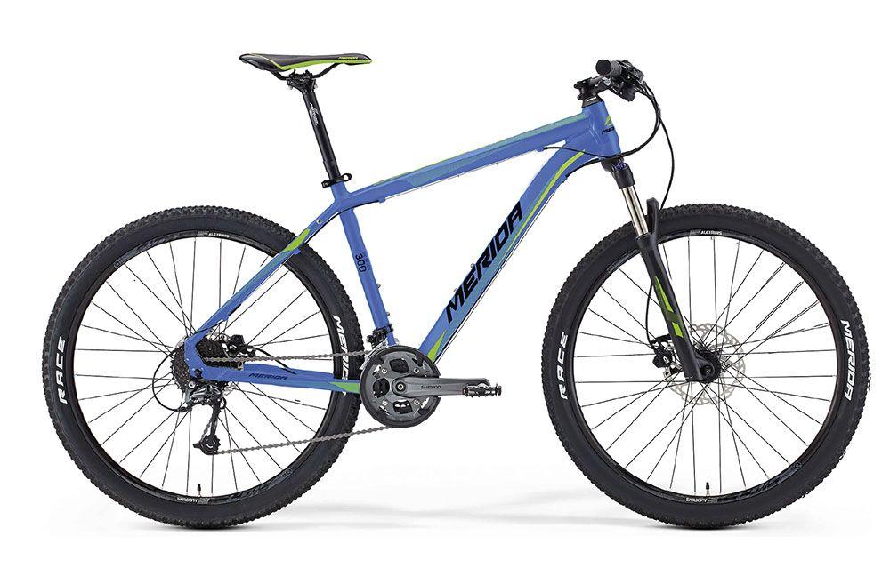Велосипед MeridaГорные<br>ВЕЛОСИПЕД MERIDA BIG.SEVEN 300 (2016) — эта практичная модель в синем цвете порадует поклонников гор высоким уровнем комфорта и мощной комплектацией. В основе конструкции рама Big 7 TFS BC, которую удачно дополняют дисковые гидравлические тормоза Tektro Auriga — один из самых популярных вариантов для горных моделей. Комфортный уровень амортизации ждет вас благодаря вилке SR 27 XCR air LOR с ходом 100 мм. А колеса 17,5 дюймов с покрышками Maxxis IKON подойдут для езды на больших скоростях по сложным локациям. В этой модели установлена коробка передач на 27 скоростей.Вы можете купить ВЕЛОСИПЕД MERIDA BIG.SEVEN 300 (2016) в нашем онлайн-магазине. Мы с радостью предложим вам широкий выбор моделей со скидками и доставим их в любую точку РФ.<br><br>year: 2016<br>пол: мужской<br>тип рамы: хардтейл<br>уровень оборудования: продвинутый<br>длина хода вилки: от 100 до 150 мм<br>блокировка амортизатора: да<br>рулевая колонка: BC OV Neck<br>вынос: Merida comp OS 6<br>руль: Merida pro OS, ширина 680 мм, R12<br>грипсы: Merida Screw on-Single<br>передний тормоз: Tektro Auriga, диаметр ротора 180 мм<br>задний тормоз: Tektro Auriga, диаметр ротора 160 мм<br>тормозные ручки: Attached<br>цепь: KMC X9<br>система: Shimano M4000 octa, 40-30-22 CG<br>каретка: Shimano octalink<br>педали: XC pro, алюминиевый сплав<br>ободья: Merida Big 7 comp D<br>передняя втулка: Formula Disc<br>задняя втулка: Formula Disc cassette<br>спицы: Нержавеющая сталь, черные<br>передняя покрышка: Maxxis IKON, 27.5<br>задняя покрышка: Maxxis IKON, 27.5<br>седло: Merida Sport 5<br>подседельный штырь: MERIDA comp SB12, 27.2 мм<br>кассета: Shimano CS-HG200-9, 11-34<br>успокоитель: Attached<br>манетки: Shimano Alivio, rapidfire<br>рама: Big 7 TFS BC<br>вилка: SR 27 XCR air LOR, ход 100 мм<br>тип заднего амортизатора: без амортизатора<br>цвет: чёрный<br>размер рамы: 17&amp;amp;quot;<br>материал рамы: алюминий<br>тип тормозов: дисковый гидравлический<br>диаметр колеса: 27.5<br>тип амортизированно