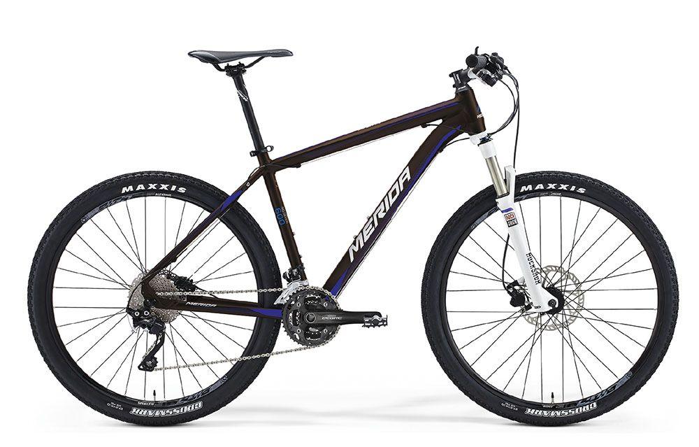 Велосипед MeridaГорные<br>ВЕЛОСИПЕД MERIDA BIG.SEVEN 600 (2016) – инновационная модель с горной конфигурацией которая сочетает самые передовые технологии. Этот велосипед имеет в основе фирменную раму Big 7 TFS BC-single в повышенной прочностью. Все вибрации и неровности дорог перестанут вас волновать благодаря качественной амортизации с вилкой Rock Shox 30Gold TK27 (ход 100 мм), которая имеет опцию дистанционной блокировки. Дисковые гидравлические тормоза Tektro Gimini гарантируют вам мгновенную реакцию, а колеса 27,5 дюймов с покрышками Maxxis Ikon и 30-ступенчатая трансмиссия позволят покорить любую скорость.Купить ВЕЛОСИПЕД MERIDA BIG.SEVEN 600 (2016)у нас — легко и просто, достаточно оформить заказ на сайте или посетить оффлайн-магазин. Мы рады предложить вам широкий выбор, качественный сервис и быструю доставку в пределах РФ.<br><br>year: 2016<br>пол: мужской<br>тип рамы: хардтейл<br>уровень оборудования: профессиональный<br>длина хода вилки: от 100 до 150 мм<br>блокировка амортизатора: да<br>рулевая колонка: BC OV Neck<br>вынос: Merida pro OS 5<br>руль: Merida pro OS, ширина 680 мм, R12<br>грипсы: Merida Screw on-Single<br>передний тормоз: Tektro Gimini, диаметр ротора 180 мм<br>задний тормоз: Tektro Gimini, диаметр ротора 160 мм<br>тормозные ручки: Attached<br>цепь: KMC X10<br>система: Shimano M612, 40-30-22<br>каретка: Attached<br>педали: XC pro, алюминиевый сплав<br>ободья: Merida Big 7 comp D<br>передняя втулка: Bearing Disc<br>задняя втулка: Bearing Disc Cassette<br>спицы: Нержавеющая сталь, черные<br>передняя покрышка: Maxxis IKON, 27.5<br>задняя покрышка: Maxxis IKON, 27.5<br>седло: Merida Sport 5<br>подседельный штырь: Merida pro H SB15, 27.2 мм<br>кассета: Shimano CS-HG50-10, 11-36<br>манетки: Shimano Deore<br>рама: Big 7 TFS BC-single<br>вилка: Rock Shox 30Gold TK27, remote, ход 100 мм<br>тип заднего амортизатора: без амортизатора<br>цвет: красный<br>размер рамы: 20&amp;amp;quot;<br>материал рамы: алюминий<br>тип тормозов: дисковый гидравлический<br>