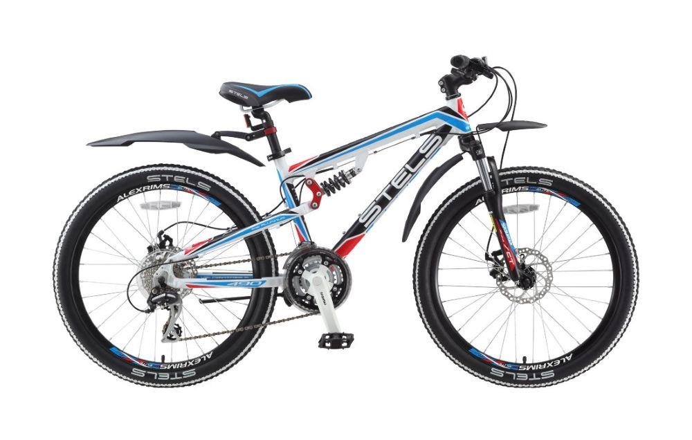 Велосипед StelsДетские<br>Для самых активных подростков компания Stels разработала модель Navigator 490 MD. Этот двухподвес на двадцати-четырех дюймовых колесах без труда преодолеет как городские бордюры и лестницы, так и лесные корни и камни. Ведь в основу велосипеда Navigator 490 MD легла прочная и легкая рама, изготовленная из алюминиевого сплава и имеющая систему задней подвески. Установленная на раму амортизационная вилка SR Suntour SF12-XCT JR, имеющая ход 50 мм, добавит удобства и контроля при катании по бездорожью. За торможение отвечают дисковые механические тормоза, которые будут безупречно работать при любых погодных условиях. За своевременное и четкое переключение переда отвечает навесное оборудование Shimano Altus / Acera. Что бы заказать велосипед Stels Navigator 490 MD на дом, вы можете оформить заказ в нашем интернет-магазине, или позвонить в call-центр. Наши консультанты свяжутся с вами и уточнят все условия доставки.<br><br>year: 2015<br>пол: мальчик<br>тип рамы: двухподвес<br>рулевая колонка: VP, сталь<br>передний тормоз: Tektro Novela<br>задний тормоз: Tektro Novela<br>каретка: VP<br>педали: VP, пластик<br>ободья: Alexrims DM-18, алюминиевый сплав<br>передняя втулка: Joy Tech, алюминиевый сплав<br>задняя втулка: Joy Tech, алюминиевый сплав<br>передняя покрышка: Kenda K-829, 24<br>задняя покрышка: Kenda K-829, 24<br>седло: Cionlli<br>манетки: Shimano Altus ST-EF51<br>рама: Алюминиевый сплав<br>вилка: SR Suntour, SF12-XCT JR, ход 50 мм<br>цвет: синий<br>материал рамы: алюминий<br>тип тормозов: дисковый механический<br>диаметр колеса: 24<br>передний переключатель: Shimano Altus FD-M190<br>задний переключатель: Shimano Acera RD-M360<br>количество скоростей: 21
