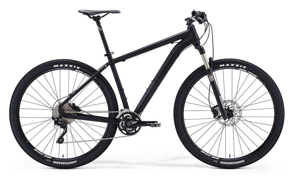 Велосипед MeridaГорные<br>ВЕЛОСИПЕД MERIDA BIG.NINE XT-EDITION (2015) — один из лучших представителя горных моделей у этого бренда. Мощную комплектацию представляет фирменная рама Big.Nine TFS, изготовленная по формуле, которая повышает прочность на 40%, колеса 29 дюймов с покрышками Maxxis Crossmark fold для быстрой и комфортной езды по любых локациях. За вашу безопасность отвечает тормозная система, которая представлена дисковыми гидравлическими тормозами и позволяет молниеносно реагировать. А горные подъемы или неровности дорожного покрытия больше не проблема для вас при наличии качественной амортизации. Вдобавок все трубы этого велосипеда изготовлены по инновационной технологии, которая позволила избавится от складок и швов, поэтому визуально эта модель безупречна.У нас можно купить ВЕЛОСИПЕД MERIDA BIG.NINE XT-EDITION (2015) по адекватной цене. Мы предоставим вам широкий выбор, быструю обработку всех заказов и доставку по РФ.<br><br>year: 2015<br>пол: мужской<br>тип рамы: хардтейл<br>уровень оборудования: профессиональный<br>длина хода вилки: от 100 до 150 мм<br>блокировка амортизатора: да<br>вынос: Merida Pro OS 5°<br>руль: Merida Pro OS, ширина 680 мм, подъем 12 мм<br>передний тормоз: Shimano M506, диаметр ротора 180 мм<br>задний тормоз: Shimano M506, диаметр ротора 160 мм<br>цепь: KMC Z10-10s<br>система: Shimano XT 40-30-22<br>педали: XC pro alloy<br>ободья: Merida Big Nine pro D<br>передняя втулка: Shimano M435<br>задняя втулка: Shimano M435<br>передняя покрышка: Maxxis Crossmark fold, 29<br>задняя покрышка: Maxxis Crossmark fold, 29<br>седло: Merida Sport 1<br>подседельный штырь: Merida pro H SB0, диаметр 27,2 мм<br>кассета: Shimano CS-HG50-10, 11-36<br>манетки: Shimano Deore XT<br>рама: Big.Nine TFS<br>вилка: Rock Shox 30Gold TK29, ход 100 мм<br>тип заднего амортизатора: без амортизатора<br>цвет: чёрный<br>размер рамы: 19&amp;amp;quot;<br>материал рамы: алюминий<br>тип тормозов: дисковый гидравлический<br>диаметр колеса: 29<br>тип амортизированной вилки: 