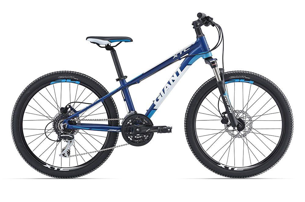 Велосипед GiantДетские<br>Высококачественный подростковый велосипед Giant  XtC SL Jr 24 2016, который подойдет активным детям, совершающим частые велопрогулки как по городу, так и за его пределами. Так же велосипед справится с обучением такой дисциплине, как кросс-кантри. Малый вес и высокую прочность модели обеспечила рама, изготовленная из AluxX-Grade алюминиевого сплава. Амортизационная вилка поможет сохранить управляемость на бездорожье. Дисковые гидравлические тормоза Tektro HDC290 надежны и просты в обращении. Навесное оборудование любительского уровня Shimano Acera.<br><br>year: 2016<br>цвет: синий<br>пол: мальчик<br>тип рамы: хардтейл<br>вынос: Giant Sport, алюминиевый сплав, 15 градусов<br>руль: Giant Sport, алюминиевый сплав,  Low Rise, 31.8 мм<br>передний тормоз: Tektro HDC290, диаметр ротора 140 мм<br>задний тормоз: Tektro HDC290, диаметр ротора 140 мм<br>тормозные ручки: Tektro HDC290<br>цепь: KMC ZZ72NP<br>система: Prowheel Burner-301, 42/32/22 w/CG, 152 мм<br>каретка: Semi-cartridge BB<br>педали: One-piece PP, 9/16<br>ободья: Giant kids 24, алюминиевый сплав 6061, с двойной стенкой<br>передняя втулка: Joytech 041DSE, double-sealed, loose ball bearing, 32H<br>задняя втулка: Joytech 142DSE, double-sealed, loose ball bearing, 32H<br>спицы: 14g нержавеющая сталь<br>передняя покрышка: Giant Junior Lite Sport, C-1866, 60TPI, 24 x 1.95<br>задняя покрышка: Giant Junior Lite Sport, C-1866, 60TPI, 24 x 1.95<br>седло: Giant Grow Technology, Jr. Sports<br>подседельный штырь: Алюминиевый сплав, single-bolt, 27.2 x 300 мм<br>кассета: Shimano HG31, 11-34, 8 скоростей<br>манетки: Shimano Altus<br>рама: Алюминиевый сплав, AluxX-Grade<br>Серия: None<br>материал рамы: алюминий<br>тип тормозов: дисковый гидравлический<br>диаметр колеса: 24<br>передний переключатель: Shimano M190<br>задний переключатель: Shimano Acera<br>количество скоростей: 24