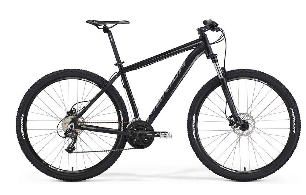 Велосипед MeridaГорные<br>ВЕЛОСИПЕД MERIDA BIG.NINE 40-MD (2016) — достойный представитель горных моделей бренда Merida. Этот черный красавец не только стильно и строго выглядит, но и обладает отличной, стойкой к любым условиям комплектацией. Вы убедитесь сами, насколько удобно покорять горные маршруты с фирменной рамой Big 9 Speed OV и колесами 29 дюймов. Амортизация с вилкой SR 29 XCM HLO (ход 100 мм) избавит вас от вибраций и дискомфорта при езде. А инновационная тормозная система в лице дисковых гидравлических Promax MTD подарит чувство уверенности и полноценный контроль над управлением даже на мокрой дороге.Купить ВЕЛОСИПЕД MERIDA BIG.NINE 40-MD (2016) в нашем магазине можно по доступной цене уже сегодня. Мы предоставим вам лучший выбор инновационных моделей и осуществим оперативную доставку.<br><br>year: 2016<br>пол: мужской<br>тип рамы: хардтейл<br>уровень оборудования: любительский<br>длина хода вилки: от 100 до 150 мм<br>блокировка амортизатора: да<br>рулевая колонка: EGG steel-B<br>вынос: Merida comp OS 6<br>руль: Merida comp OS, ширина 680 мм, R15<br>грипсы: Merida kraton<br>передний тормоз: Promax MTD, диаметр ротора 160 мм<br>задний тормоз: Promax MTD, диаметр ротора 160 мм<br>тормозные ручки: Attached<br>цепь: KMC X9<br>система: SR XCM, 44-32-22 CG<br>каретка: Картриджные подшипники<br>педали: XC, алюминиевый сплав<br>ободья: Merida Big Nine D<br>передняя втулка: Disc, алюминиевый сплав<br>задняя втулка: Disc cassette, алюминиевый сплав<br>спицы: Нержавеющая сталь, серебристые<br>передняя покрышка: Merida, 29<br>задняя покрышка: Merida, 29<br>седло: Merida Sport 5<br>подседельный штырь: Merida speed, 27.2 мм<br>кассета: Sunrace CS-9S, 11-32<br>успокоитель: Attached<br>манетки: Shimano Altus ST, rapidfire<br>рама: Big 9 Speed OV<br>вилка: SR 29 XCM HLO, ход 100 мм<br>тип заднего амортизатора: без амортизатора<br>цвет: зелёный<br>размер рамы: 21&amp;amp;quot;<br>материал рамы: алюминий<br>тип тормозов: дисковый гидравлический<br>диаметр колеса: 29<br>тип
