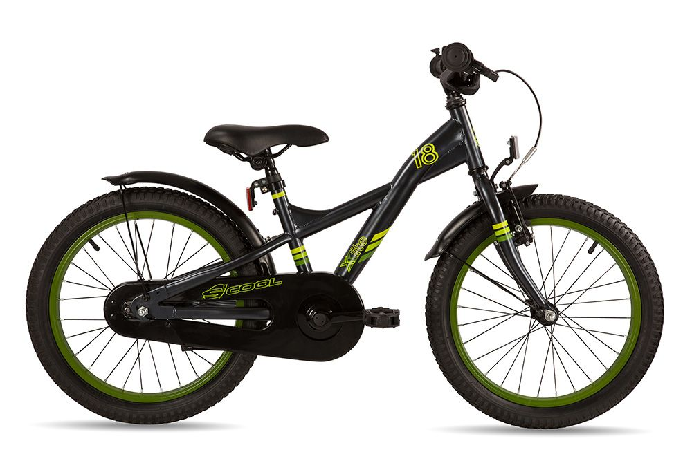 Велосипед ScoolДетские<br>Велосипед Scool XXlite 18 Steel (2016)– модель для мальчиков ростом от 110 см. Этот стильный байк создан для активного катания по городским дорогам и легкому бездорожью – он имеет широкие рельефные шины, способные преодолеть небольшие неровности. Седло и руль регулируются по высоте, цепь закрыта от случайного попадания штанов, широкие крылья гарантируют защиту от брызг. Передний и задний светоотражатели сделают катание в темноте намного безопаснее, а передний ручной и задний механический тормоза остановят юного байкера за считанные мгновения.<br><br>year: 2016<br>пол: мальчик<br>тип рамы: хардтейл<br>вынос: Crash pad, Neopren<br>руль: Junior Uprise, ширина 500 мм<br>грипсы: Softgrip, buffle protection, 100 мм<br>передний тормоз: Power, регулируемый<br>задний тормоз: Ножной<br>тормозные ручки: Kids, регулируемые<br>система: Shun 32T, 114 мм<br>защита звёзд/цепи: Chain guard<br>каретка: CC-886, шариковые подшипники<br>педали: HF-316, с отражателями<br>ободья: Алюминиевый сплав<br>передняя втулка: Scool, сталь<br>задняя втулка: Power<br>передняя покрышка: Scool, Kids MTB, 18 x 2,125<br>задняя покрышка: Scool, Kids MTB, 18 x 2,125<br>подседельный штырь: Сталь<br>кассета: 16T<br>крылья: Scool, Junior Desig<br>рама: Scool, Junior LE 18, сталь<br>вилка: Hi-Ten<br>цвет: чёрный<br>материал рамы: сталь<br>тип тормозов: ободной<br>диаметр колеса: 18<br>количество скоростей: 1