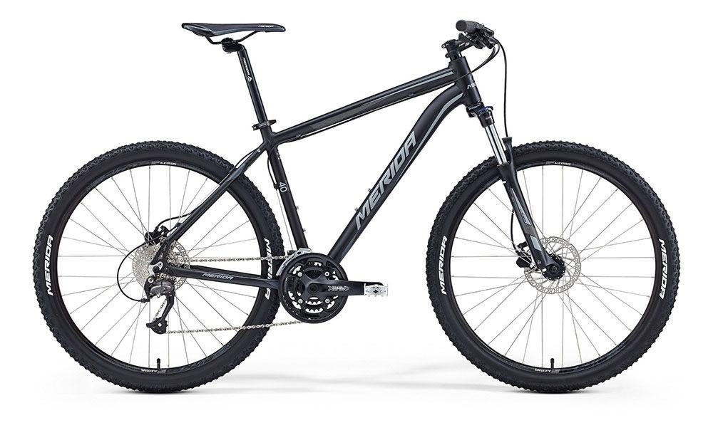 Велосипед MeridaГорные<br>ВЕЛОСИПЕД MERIDA BIG.SEVEN 40-D (2016) — ярко-зеленый и жизнерадостный велосипед с горной комплектацией порадует вас своим стильным дизайном и отличными характеристиками. Эта модель оснащена фирменной рамой Big 7 Speed OV и дисковыми гидравлическими тормозами Tektro Auriga для безупречной реакции в любых условиях, даже на мокром грунте. Неровные грунтовые дороги не принесут вам проблем, поскольку колеса 27,5 дюймов с покрышками Merida разработаны именно для езды в условиях экстремальных маршрутов, а вилка SR 27 XCM HLO с ходом 100 мм даст вам нужный уровень амортизации. Велосипед имеет коробку передач на 27 скоростей.Купить ВЕЛОСИПЕД MERIDA BIG.SEVEN 40-D (2016) в нашем магазине можно уже сегодня через онлайн-сервис. Мы рады предложить вам широкий выбор, качественный сервис и быструю доставку по всей России.<br><br>year: 2016<br>пол: мужской<br>тип рамы: хардтейл<br>уровень оборудования: любительский<br>длина хода вилки: от 100 до 150 мм<br>блокировка амортизатора: да<br>рулевая колонка: EGG steel-B<br>вынос: Merida comp OS 6<br>руль: Merida comp OS, ширина 680 мм, R15<br>грипсы: Merida kraton<br>передний тормоз: Tektro Auriga, диаметр ротора 160 мм<br>задний тормоз: Tektro Auriga, диаметр ротора 160 мм<br>тормозные ручки: Attached<br>цепь: KMC X9<br>система: SR XCM, 44-32-22 CG<br>каретка: Картриджные подшипники<br>педали: XC, алюминиевый сплав<br>ободья: Merida Big 7 D<br>передняя втулка: Disc, алюминиевый сплав<br>задняя втулка: Disc cassette, алюминиевый сплав<br>спицы: Нержавеющая сталь, серебристые<br>передняя покрышка: Merida, 27<br>задняя покрышка: Merida, 27<br>седло: Merida Sport 5<br>подседельный штырь: Merida speed, 27.2 мм<br>кассета: Sunrace CS-9S, 11-32<br>успокоитель: Attached<br>манетки: Shimano Altus, rapidfire<br>рама: Big 7 Speed OV<br>вилка: SR 27 XCM HLO, ход 100 мм<br>тип заднего амортизатора: без амортизатора<br>цвет: зелёный<br>размер рамы: 20&amp;amp;quot;<br>материал рамы: алюминий<br>тип тормозов: дисковый гидрав