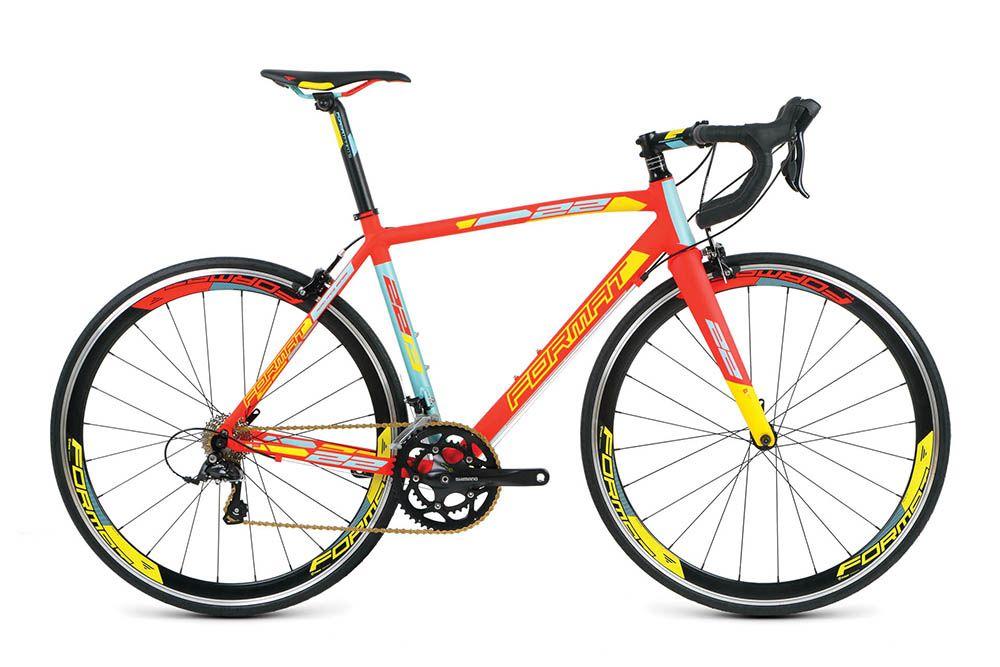 Велосипед FormatШоссейные<br><br><br>year: 2016<br>цвет: красный<br>пол: мужской<br>уровень оборудования: любительский<br>рулевая колонка: Neco, интегрированная, IS 42/28.6/IS 52.2/39.8 (tapered)<br>вынос: Format AS-027N, -7, диаметр: 31.8 мм<br>руль: Format TM-13, racing bar, ширина: 400-440 мм, диаметр: 31.8 мм<br>передний тормоз: Tektro R320<br>задний тормоз: Tektro R320<br>цепь: KMC X9<br>система: Shimano FC-R345, 50x34T, Octalink<br>каретка: Shimano BB-ES25<br>педали: Алюминиевый сплав<br>ободья: Weinmann Pegasus, алюминиевый сплав<br>передняя втулка: Format, 9x100 QR, 24H<br>задняя втулка: Format, 10x130 QR, 24H<br>передняя покрышка: Rubena Syrinx Classic, 700x25c<br>задняя покрышка: Rubena Syrinx Classic, 700x25c<br>седло: Format VL-1502, cr-mo rails<br>подседельный штырь: Format SP-712N, 31.6 мм<br>кассета: Shimano CS-HG50, 12-25T, 9 скоростей<br>манетки: Shimano Sora ST-3500<br>тип манеток: Рычажный<br>рама: Алюминий 700C, Road, U6 TrB, Tapered Headtube<br>вилка: Жесткая, Carbon<br>размер рамы: 19.5&amp;amp;quot;<br>материал рамы: алюминий<br>тип тормозов: ободной<br>передний переключатель: Shimano Sora FD-3500, Brazed-On Type<br>задний переключатель: Shimano Sora RD-3500<br>количество скоростей: 18