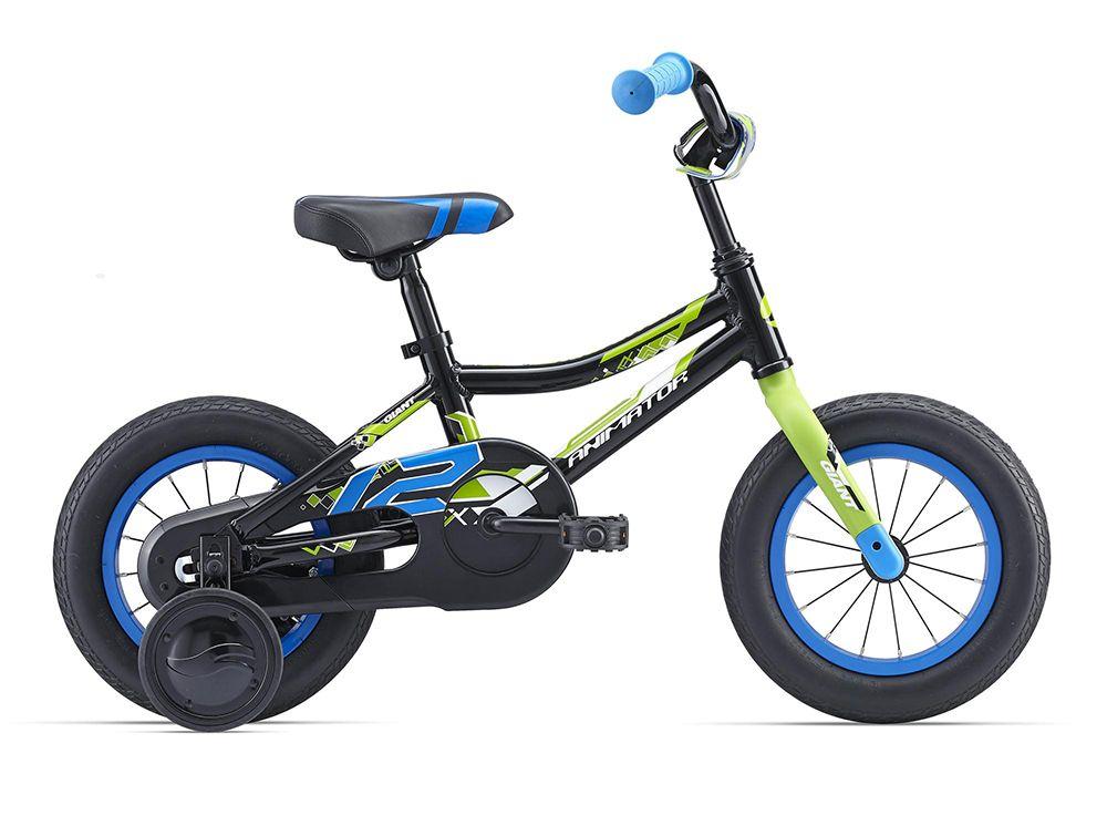Велосипед GiantДетские<br>Для самых маленьких велосипедистов, которые только учатся держаться в седле, компания Giant создала модель Animator C/B 12 2016. Этот велосипед поможет вашему ребенку быстро и безопасно научиться кататься на велосипеде. Модель получилась легкой и прочной за счет алюминиевой рамы и стальной вилки. Дополнительные боковые колесики можно быстро снять, если ребенок уже уверенно катается на двух колесах. Мягкая накладка на руль и защита цепи призваны обеспечить безопасное катание.<br><br>year: 2016<br>пол: мальчик<br>тип рамы: хардтейл<br>вынос: Алюминиевый сплав, quill type<br>руль: Giant kids, High Rise, ширина 420 мм, подъем  75 мм<br>задний тормоз: Ножной<br>цепь: PAM 1/2X1/8X72L, антикоррозионная<br>система: Hi-ten сталь, 1-piece, 28T<br>защита звёзд/цепи: Chainguard<br>каретка: Свободный шарик<br>педали: Nylon Platform<br>ободья: Giant kids 12, алюминиевый сплав 6061<br>передняя втулка: Nutted, 16H с O.L.D 74 мм<br>задняя втулка: Nutted, 16H с O.L.D 74 мм<br>спицы: 14G SUS<br>передняя покрышка: Giant Easy Balance, 12 x 2.125<br>задняя покрышка: Giant Easy Balance, 12 x 2.125<br>седло: Giant grow technology, kids saddle<br>подседельный штырь: Сталь, 22.2 x 180 мм<br>кассета: 19T<br>дополнительные колёса: Есть<br>рама: Алюминиевый сплав, AluxX-Grade<br>вилка: Жесткая, Hi-ten сталь, 1-1/8<br>цвет: чёрный<br>материал рамы: алюминий<br>тип тормозов: ножной<br>диаметр колеса: 12<br>количество скоростей: 1