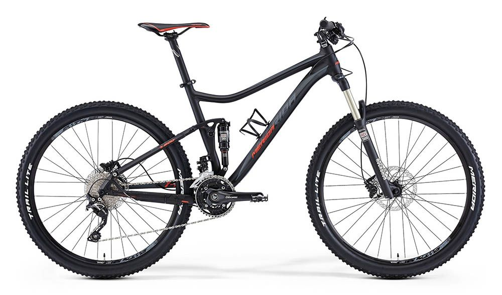 Велосипед MeridaДвухподвесы<br>ВЕЛОСИПЕД MERIDA ONE-TWENTY 7.600 (2015) — удачная горная модель с надежной комплектацией и эргономичным дизайном. Этот велосипед создан для поездок по горным склонам — прочная рама One-Twenty TFS с тройным баттингом, большие колеса 27,5 дюймов и продуманная система амортизации, сочетающая жесткую вилку и задний амортизатор, помогут вам преодолевать самые сложные маршруты. Сбалансированный дизайн и комфортная посадка принесут вам еще больше удовольствия от времени проведенного «в седле».А трансмиссия на 30 скоростей поможет подстроить режим езды под любую локацию.Купить ВЕЛОСИПЕД MERIDA ONE-TWENTY 7.600 (2015) в нашем магазине — легко и удобно. У нас — самые приятные цена, постоянный скидки и акции, выбор методов оплаты и доставка по РФ за самый короткий промежуток времени.<br><br>year: 2015<br>пол: мужской<br>тип рамы: двухподвес<br>уровень оборудования: профессиональный<br>длина хода вилки: от 100 до 150 мм<br>блокировка амортизатора: да<br>вынос: Merida Pro OS 5°<br>руль: Merida Pro OS, ширина 740 мм, подъем 12 мм<br>передний тормоз: Shimano M506, диаметр ротора 180 мм<br>задний тормоз: Shimano M506, диаметр ротора 180 мм<br>цепь: KMC Z10-10s<br>система: Shimano M612 40-30-22<br>педали: XC pro alloy<br>ободья: Merida Big 7 comp D<br>передняя втулка: Formula Centerlock<br>задняя втулка: Formula Centerlock-12<br>передняя покрышка: Merida lite, 27<br>задняя покрышка: Merida lite, 27<br>седло: Merida Sport 1<br>подседельный штырь: Merida pro H SB0, диаметр 31,6 мм<br>кассета: Shimano CS-HG50-10, 11-36<br>манетки: Shimano Deore<br>рама: One-Twenty TFS<br>вилка: Rock Shox 30Gold TK27, ход 120 мм<br>задний амортизатор: Rock Shox Monarch R<br>тип заднего амортизатора: воздушно-масляный<br>цвет: чёрный<br>размер рамы: 18&amp;amp;quot;<br>материал рамы: алюминий<br>тип тормозов: дисковый гидравлический<br>диаметр колеса: 27.5<br>тип амортизированной вилки: воздушно-масляная<br>передний переключатель: Shimano Deore<br>задний переключатель: Shi